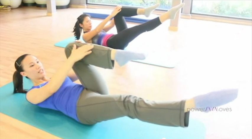 pilates-chest-lift-single-leg-stretch